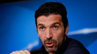 """Buffon arremete contra el árbitro: """"Si no tienes personalidad ve el juego comiendo papitas"""""""