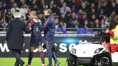 Mbappé, con fisura cervical, tiene para dos meses y no jugará ante el Real Madrid por la Champions