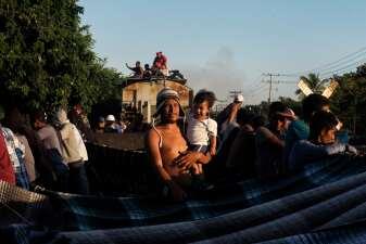 Fotos: Una caravana de historias subidas a 'La Bestia'