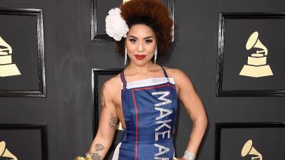 La cantante Joy Villa, conocida por su apoyo a Trump, denuncia a un exasesor del presidente por abuso sexual