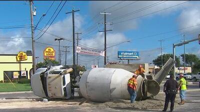 Dos accidentes viales en San Antonio provocan el cierre de vialidades en menos de 24 horas