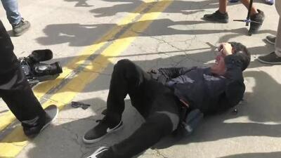 Guardias de seguridad agreden a un camarógrafo de Univision que cubría la boda de Chiquis Rivera