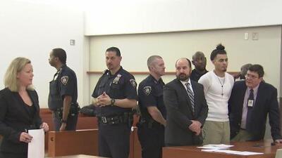 Se presentan en corte los acusados de asesinar a machetazos a Lesandro 'Junior' Guzmán