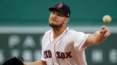 Chris Sale brilla en la lomita para que los Red Sox saquen victoria en casa