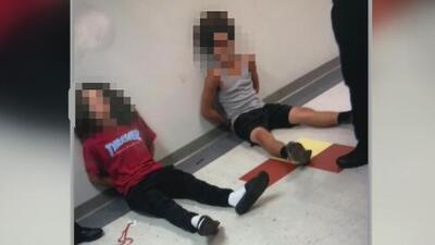 Dos estudiantes de Florida, bajo custodia tras encontrar un arma de aire comprimido en una mochila