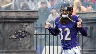 Rams refuerza su defensiva contratando al safety veterano Eric Weddle