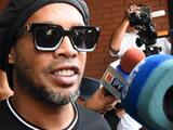En Brasil hay preocupación por la forma de beber de Ronaldinho tras la muerte de su madre