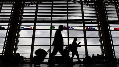 Cancelaciones y demoras de vuelos a granel en los aeropuertos de Dallas