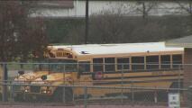 Tras amenazas de bomba en dos escuelas de Grapevine, las clases fueron reanudadas con más presencia policial