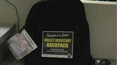 Se duplican las ventas de mochilas antibalas antes del regreso a clases