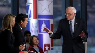 """Bernie Sanders al defender sus ingresos millonarios: """"No me disculparé por escribir un libro exitoso"""""""
