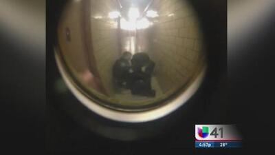 Captan a policías del Bronx golpeando brutalmente a un joven