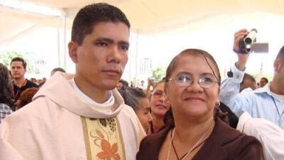 """""""No sé si siento rabia, rencor o tristeza"""", dice madre del sacerdote asesinado a balazos en Guerrero"""