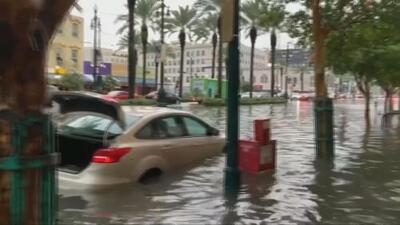 En video: Lluvias causan inundaciones en Nueva Orleans y declaran estado de emergencia