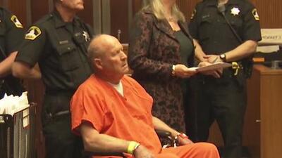 Se presenta en la corte Joseph DeAngelo, acusado de asesinato y violación