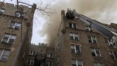 Catorce heridos deja incendio en un edificio residencial de Manhattan