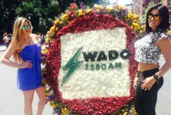 Yuliana y Nanny en el desfile de las flores