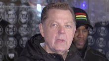 Un tercer hombre acusa al padre Michael Pfleger de Chicago de abuso sexual