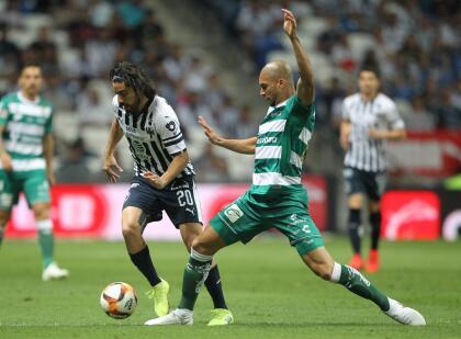 Y precisamente por esa falta de fútbol Santos se fue desvaneciendo en el partido, mientras Rayados iba tomando más fuerza y confianza.