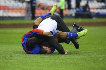 ¡Eufórico festejo de Caixinha! El DT de Cruz Azul vivió con intensidad el pase a la Final
