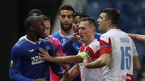 ¡Ejemplar! UEFA castiga 10 partidos a jugador por racismo