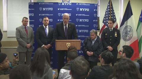 El jefe de detectives de la Policía de Nueva York se retira de su cargo tras 35 años de labor