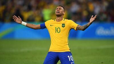En España aseguran que Neymar aún no decide entre el Real Madrid y el Barcelona