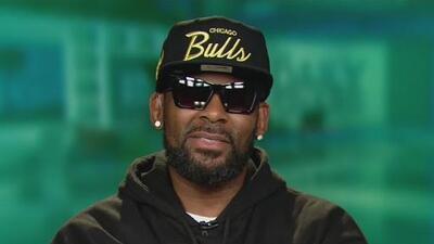 R. Kelly recibe una fianza de un millón de dólares por cargos de abuso sexual que incluyen a tres menores