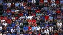 Fanáticos llenan las gradas de la MLB en Texas pese al coronavirus