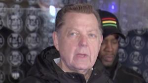 Un tercer hombre acusa al padre Michael Pfleger de Chicago de abuso sexual