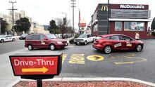 McDonald's seguirá atendiendo por el autoservicio tras cancelación del uso de mascarillas en Texas