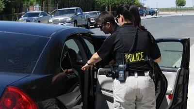 Más de treinta personas reciben cargos relacionados con alcohol y licencias revocadas durante operativo de tránsito en Carolina del Norte