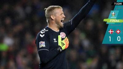 Schmeichel y Poulsen le otorgan la victoria a Dinamarca