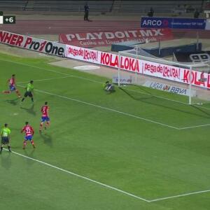 ¡Werner detiene el penal! Lezcano falla y se pierde el gol de Bravos