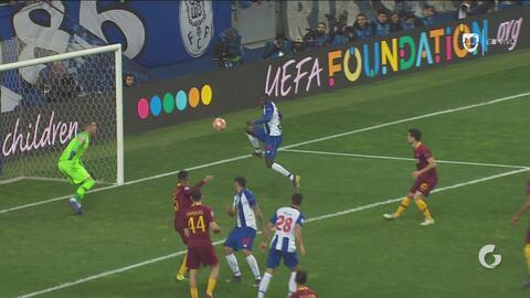 ¡Gol del Porto! Enorme asistencia del Tecatito y Marega la manda al fondo