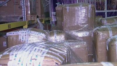 Relojes, bolsos de lujo y zapatos: lo que hay en 47 toneladas de mercancía pirata incautadas en México