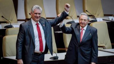 """Díaz-Canel asume la Presidencia de Cuba: """"No habrá espacio para quienes quieran restaurar el sistema capitalista"""""""