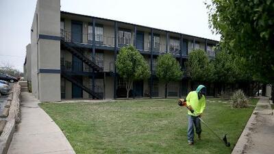 Administración Trump estudia una propuesta que contempla impedir que familias mixtas se beneficien de vivienda pública