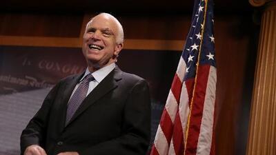 El voto sorpresa que salvó Obamacare: la rebelión de McCain contra Trump que suena a venganza
