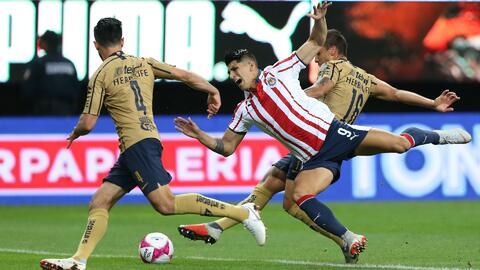 Chivas, obligado a ganarle a Pumas en CU si quiere soñar con la Liguilla