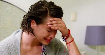 Una joven descubre un secreto que le arruina la vida a su hermana