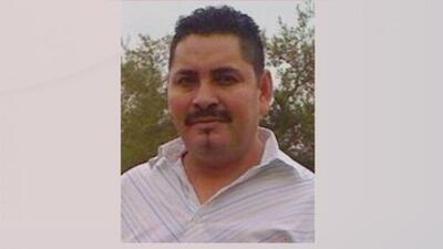 Autoridades buscan a un hombre acusado de abusar sexualmente de un menor en Houston