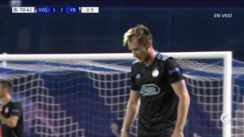 ¡CERCA!. Izet Hajrovic disparó que se estrella en el poste.