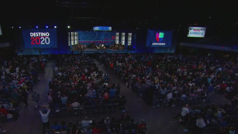 """""""Todos los candidatos se mostraron muy parejos"""": analista sobre el foro Univision 'Real América' - Univision"""