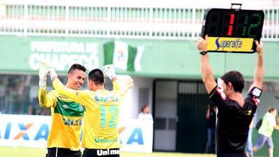 Nivaldo, tercer arquero de Chapecoense, se retira del fútbol