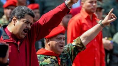 """Maduro dice que impedirá """"por las buenas o las malas"""" que oposición tome el poder en Venezuela"""