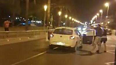 Captan el momento en que la policía abate a uno de los terroristas de los atentados en España