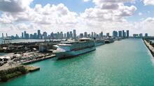 Cómo la negativa del gobernador a aceptar un 'pasaporte de vacunación' complica la reactivación de los cruceros en Florida