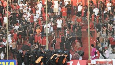 Lamentable y bochornoso: Hinchas de Newell's Old Boys protagonizan violencia en Copa Argentina