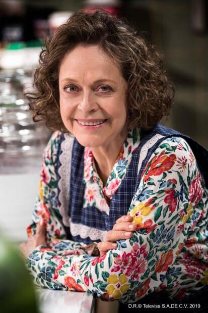 <b>Silvia Mariscal</b> es <b>Teresa</b>, madre de Ringo. Aunque es apariencia es una mujer dura siente un gran cariño por su hijo y su nieto.